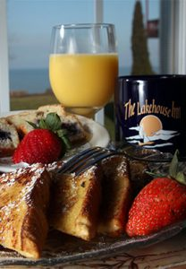 A delicious home cooked breakfast featuring local products is served daily to all guests