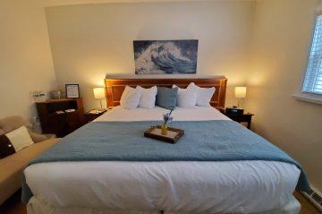 Lakehouse Inn Room 2