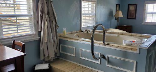 Sunset Suite Bathtub