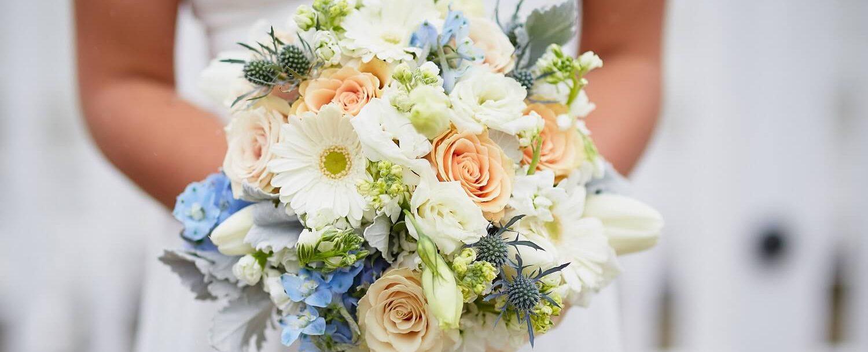Lakehouse wedding