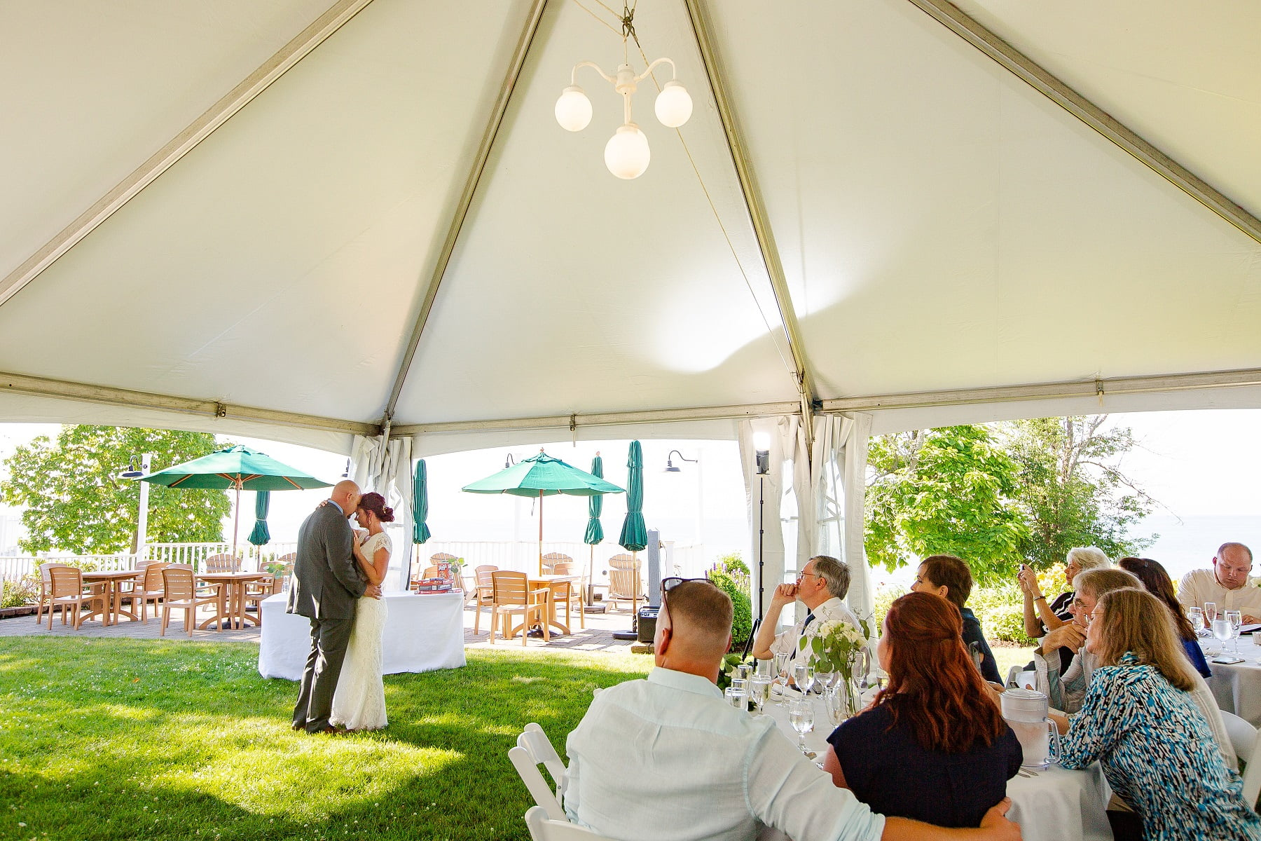 The Lakehouse Inn wedding