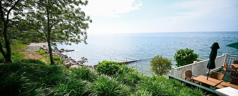 Lakehouse Inn Lake View and Patio