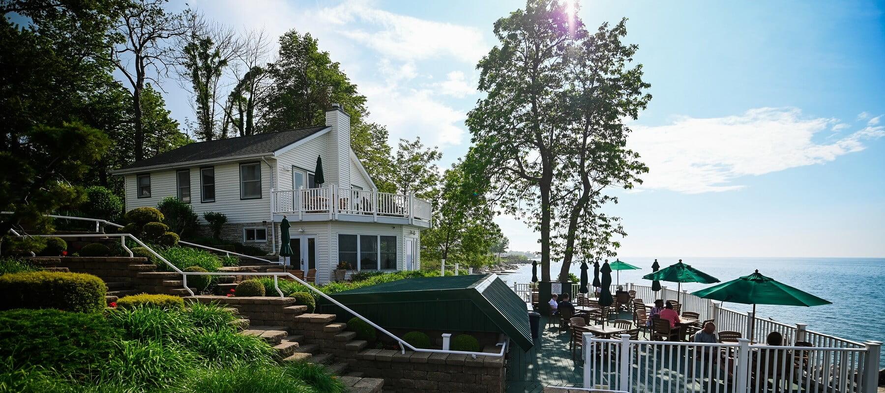 Lakehouse Inn Patio